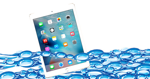 ipad-falls-in-the-bathtub-diva